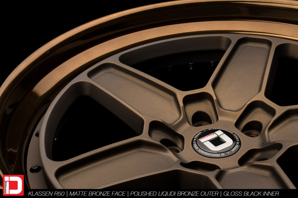 klassenid-wheels-r50-matte-bronze-face-polished-liquid-bronze-lip-gloss-black-hardware-17