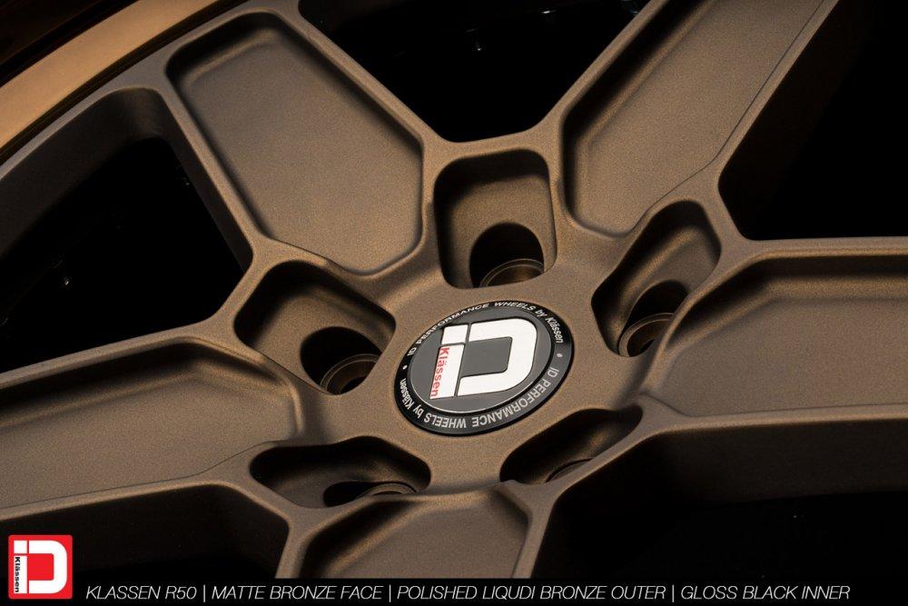 klassenid-wheels-r50-matte-bronze-face-polished-liquid-bronze-lip-gloss-black-hardware-8