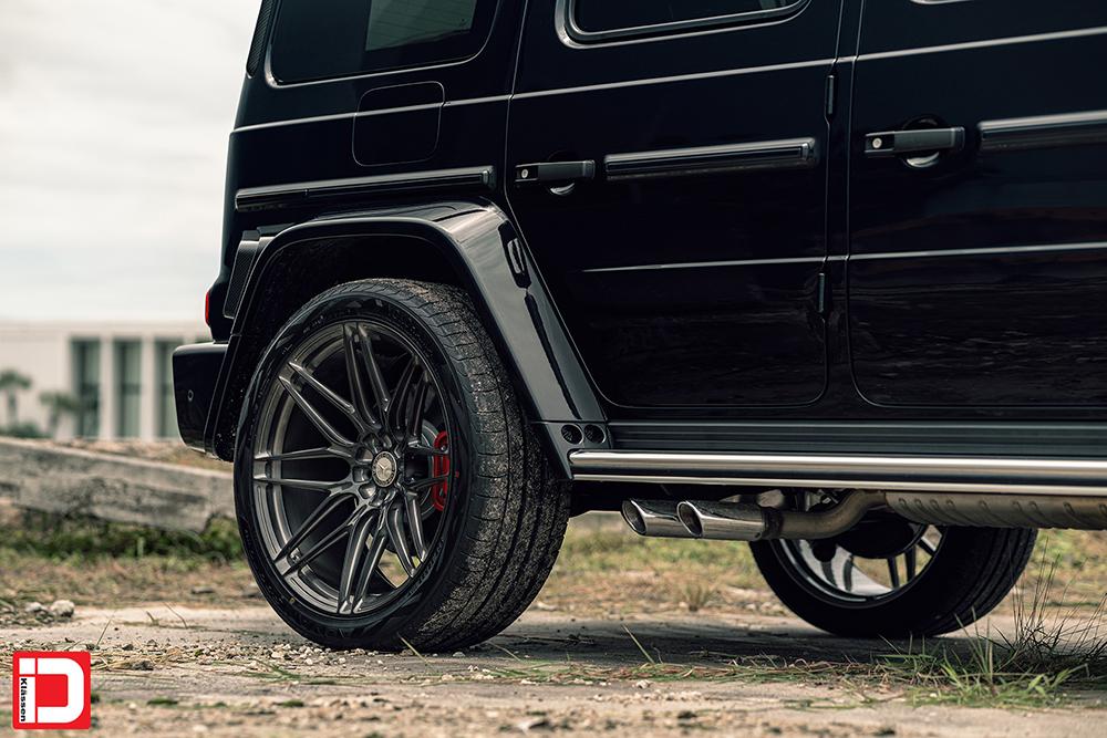 AG MC Black Brabus Wide G Wagon 28