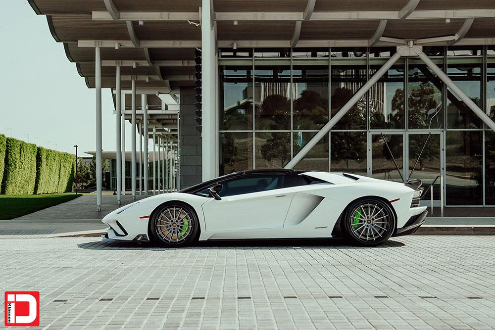 lamborghini-aventador-klassen-id-wheels-cs35s-gloss-kingsport-gray-black-lip-06