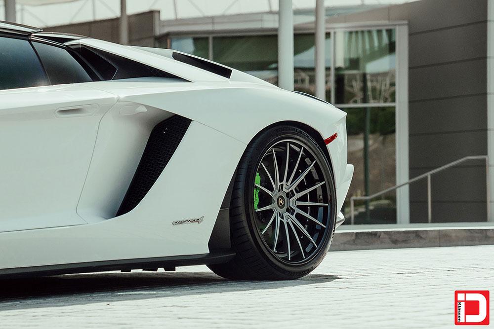 lamborghini-aventador-klassen-id-wheels-cs35s-gloss-kingsport-gray-black-lip-09