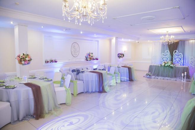 Klaudia Krzyżaniak ile kosztują dekoracje weselne ile kosztują dekoracje na ślub Ile kosztują dekoracje na ślub i co wpływa na wysokość ceny dekoracji weselnych 2 1024x683