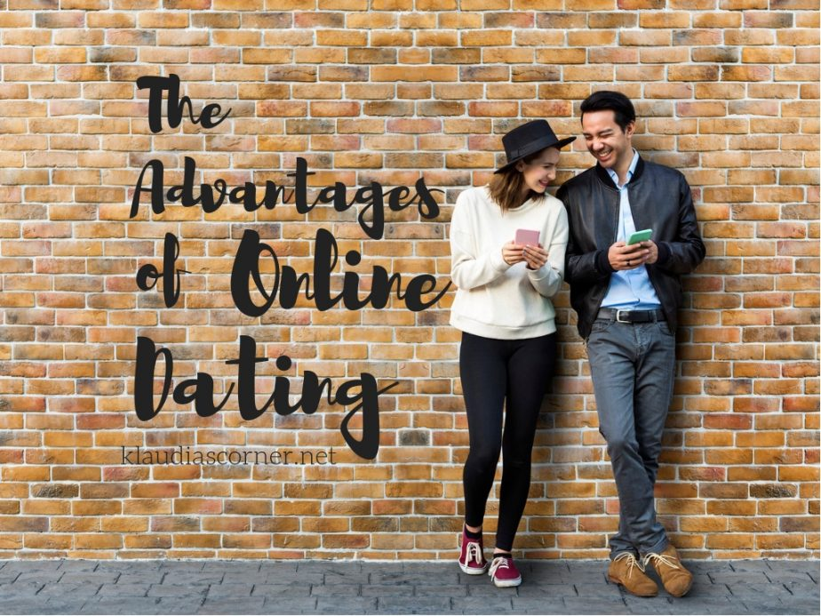 The advantages of online dating - image ©klaudiascorner.net