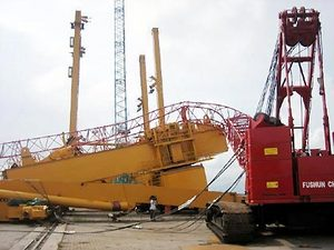 collapsed_crane-vietnam-july-2008