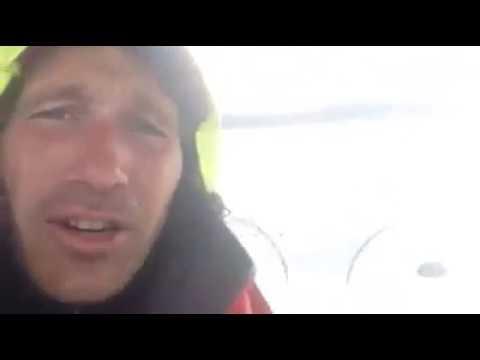 screenshot video trasferimento al traverso di stromboli con tanta acqua