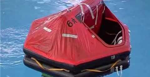 zattera di salvataggio da 6 posti massimo aperta in acqua