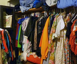 Vrouwen bewaren massaal te kleine kleding