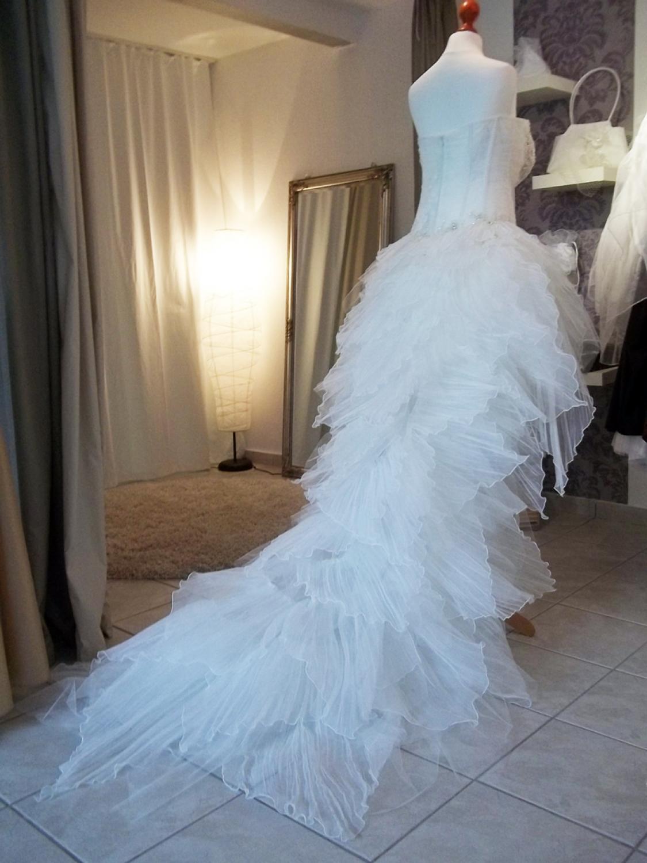 Sexy Brautkleid mit langer Schleppe  Kleiderfreuden