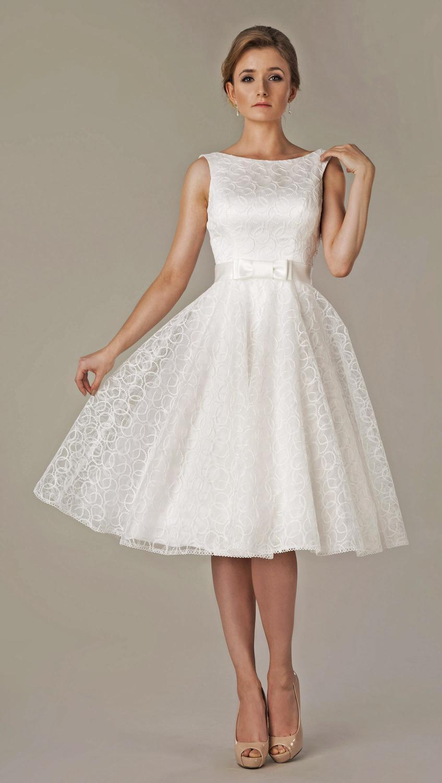 Kurzes Brautkleid 50er Jahre Stil Mit U Boot Ausschnitt Rückenfrei
