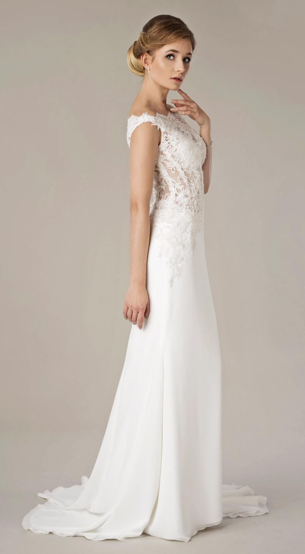 Brautkleid mit U Boot Ausschnitt aus Spitze  Kleiderfreuden