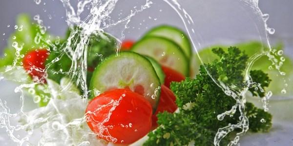 Gesundes Essen wirkt Zahnfleischentzündungen entgegen