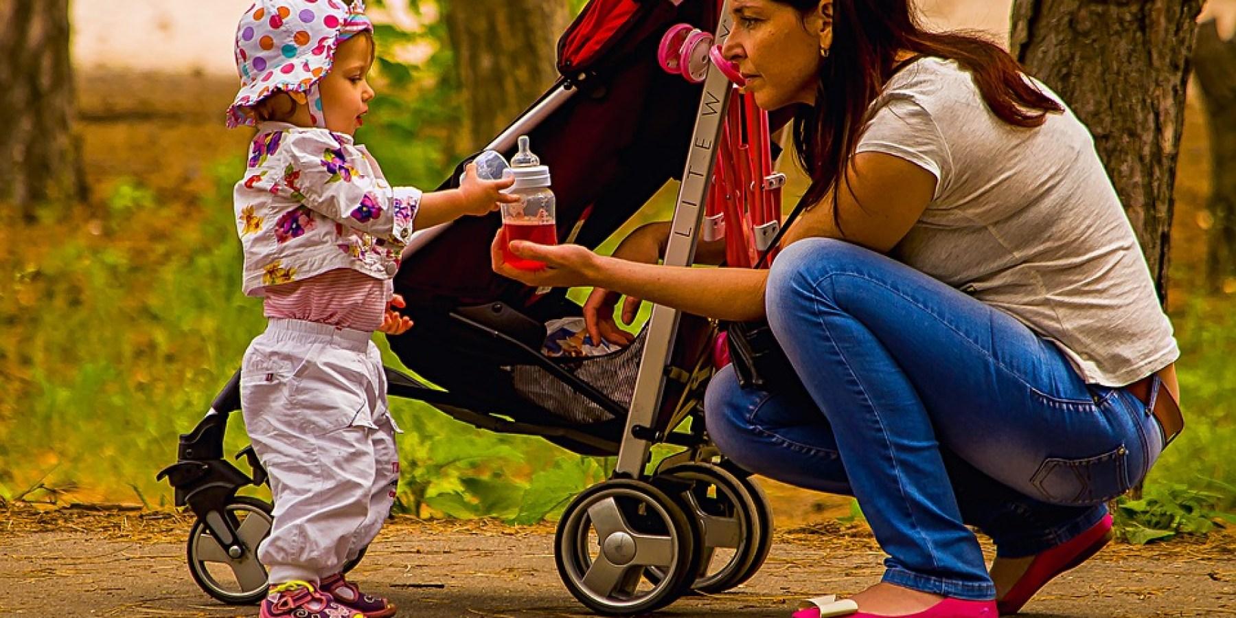 Handtasche aus unbeaufsichtigtem Kinderwagen gestohlen