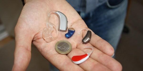Hörgerät zwei- bis dreimal im Jahr warten lassen