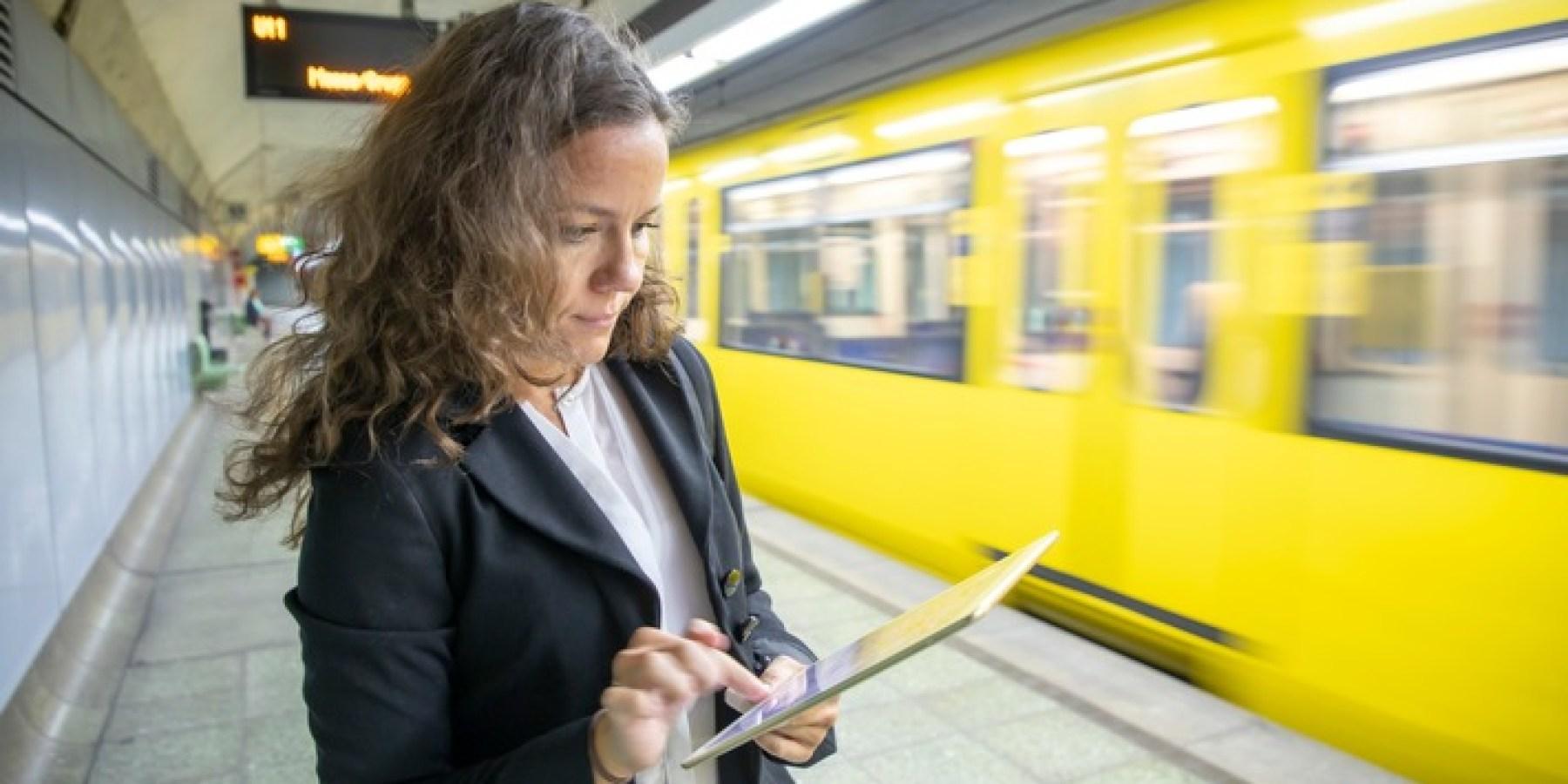 Arbeiten im Homeoffice: Höhere Arbeitszufriedenheit, aber stärkere psychische Belastungen