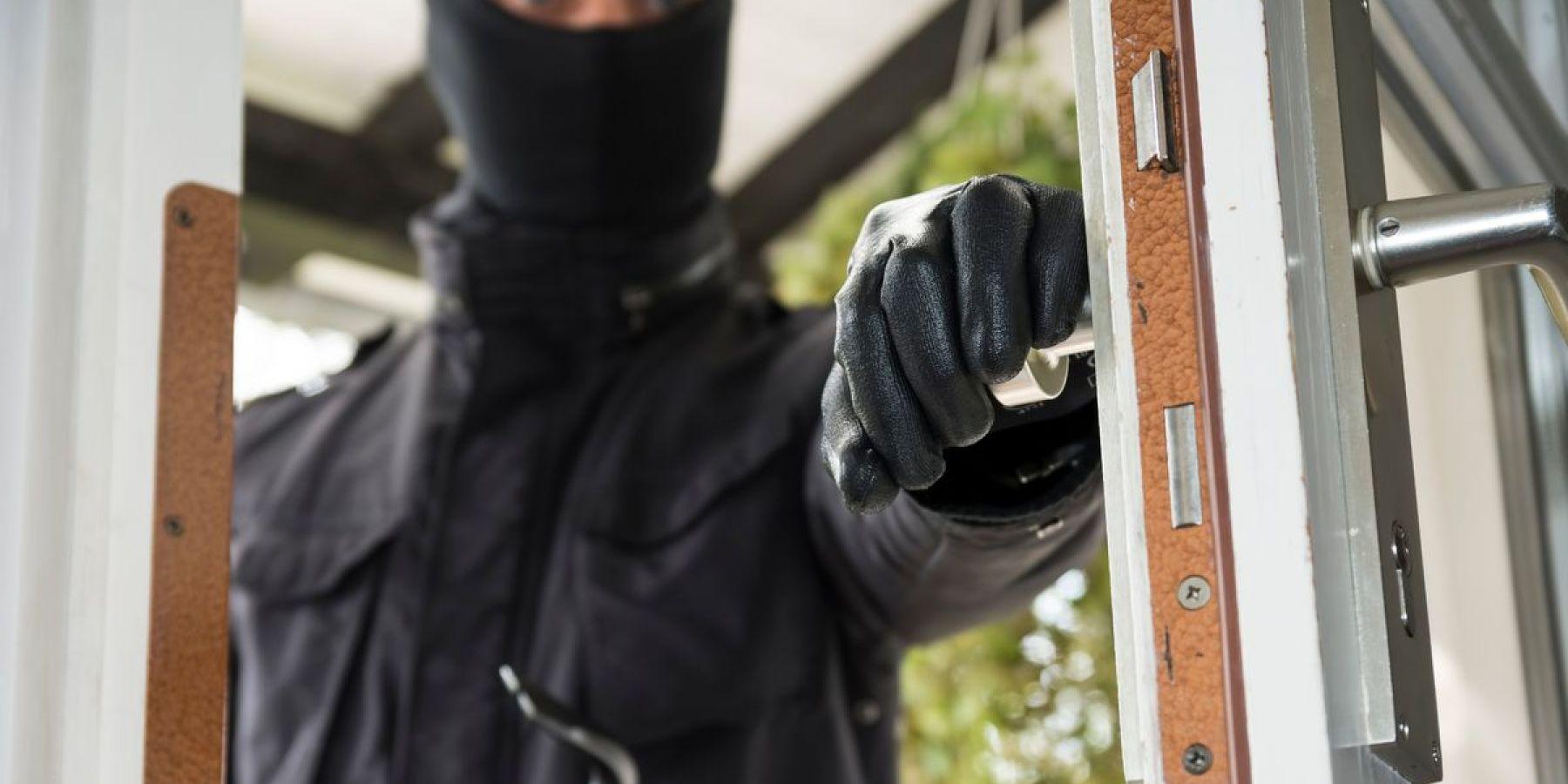 Gute Sicherung lässt Einbrecher auf der Straße stehen