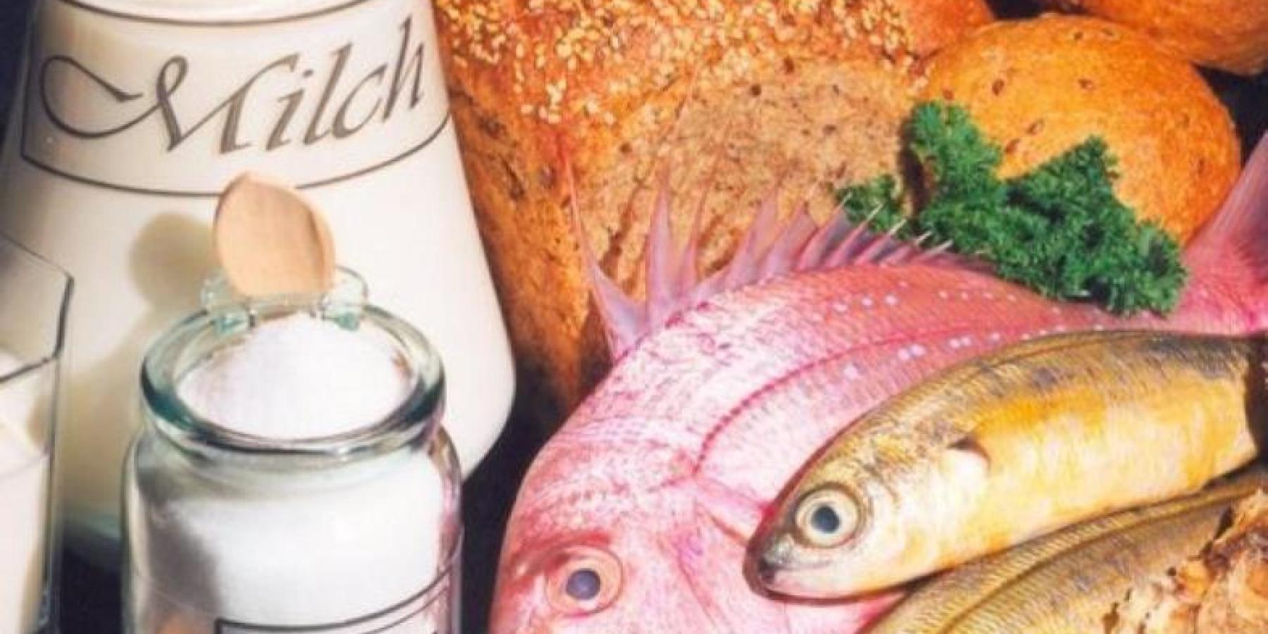 Einem Jodmangel vorbeugen: mit Seefisch und Jodsalz
