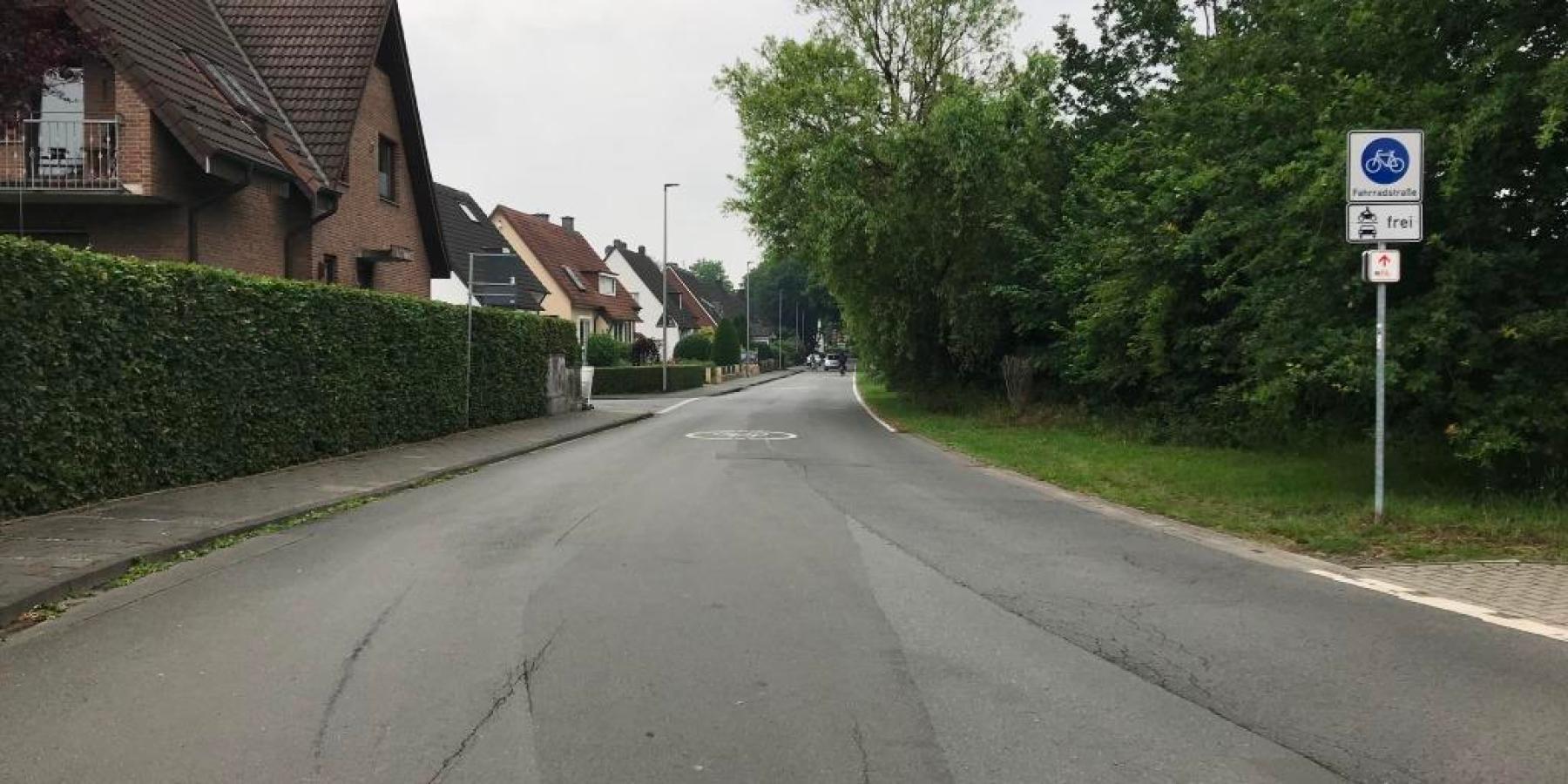 Veloroute: Lütkenbecker Weg und Lindberghweg erhalten roten Anstrich