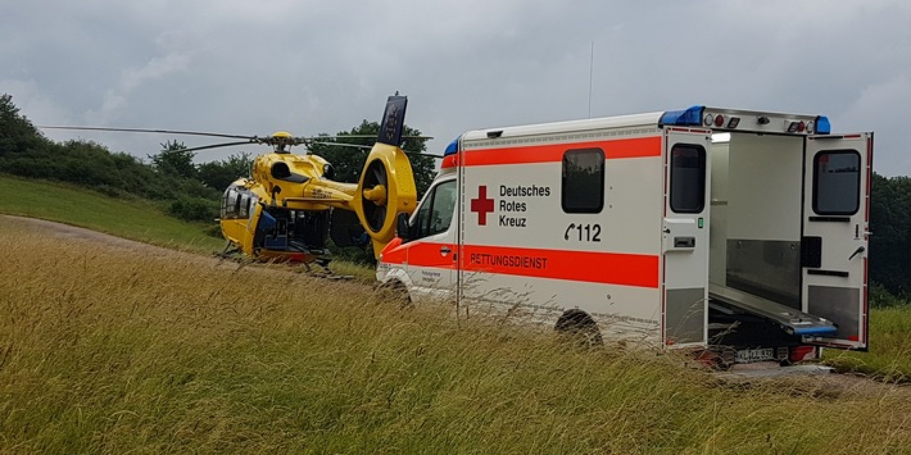 Patient nach Traktorunfall mit ADAC Rettungshubschrauber ins Westpfalzklinikum transportiert