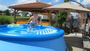 Jetzt Schon An Den Sommer Denken Ein Pool Im Garten Muss