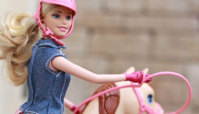 Barbie und Pferd – die perfekte Kombination für kleine Mädchen