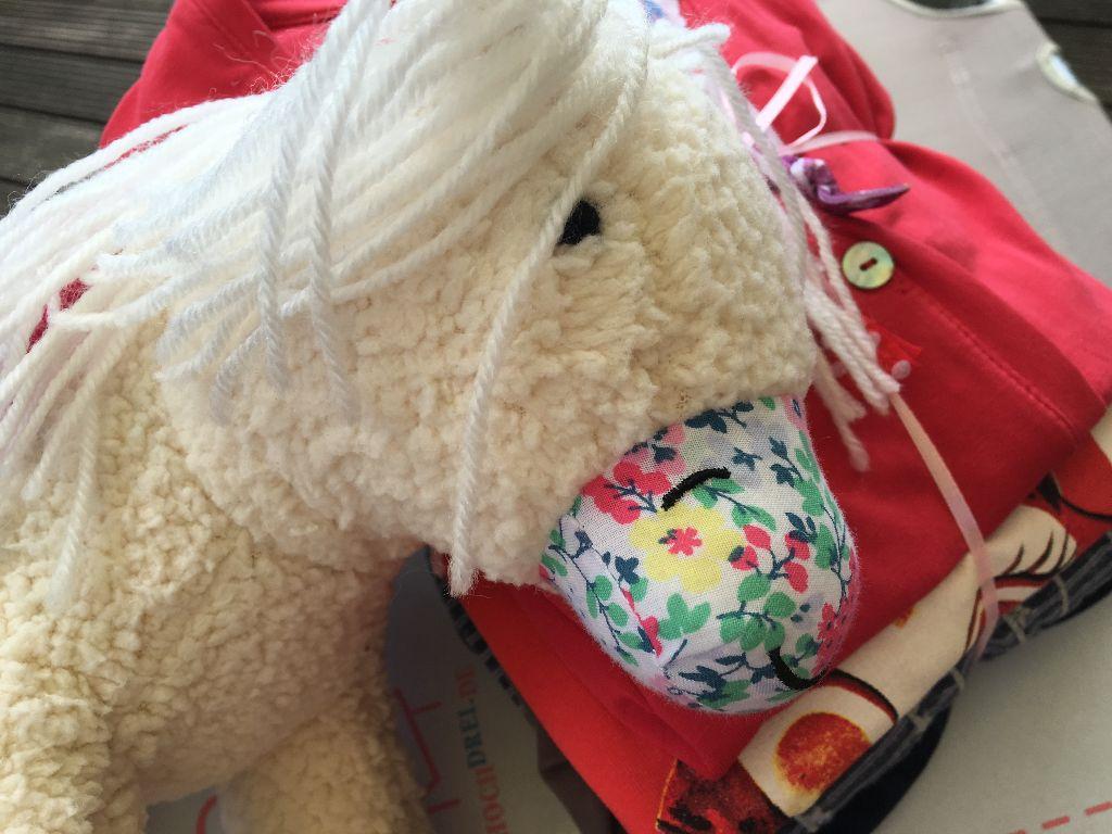 Ein Handtaschenpferd von Joules