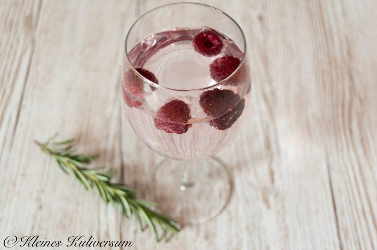Valentinstag Menü: Razz-Cocktail mit Himbeeren