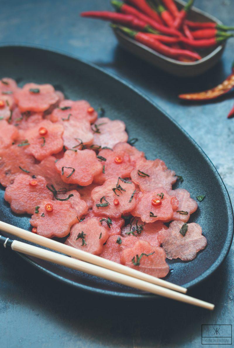 Wassermelonensalat mit Chili-Limettendressing