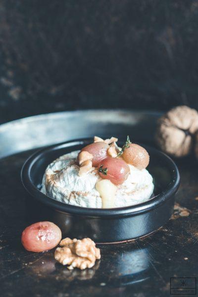 Gebackener Camembert mit gerösteten Trauben