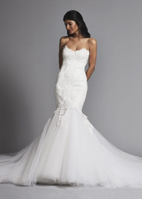 Romantic Lace Mermaid Wedding Dress With Full Tulle Skirt
