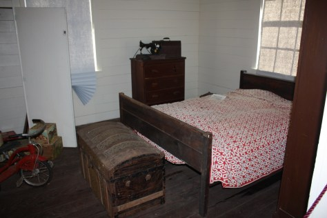 H House bedroom2