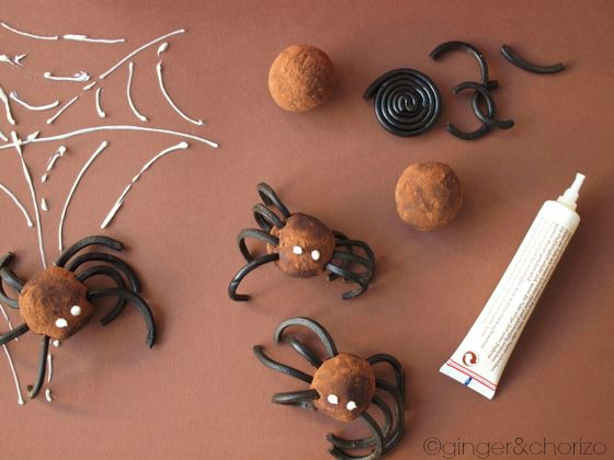 Food Friday recipes for kids and family halloween spider truffles