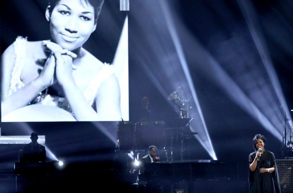 AMAs Give Proper Respect to Aretha Franklin