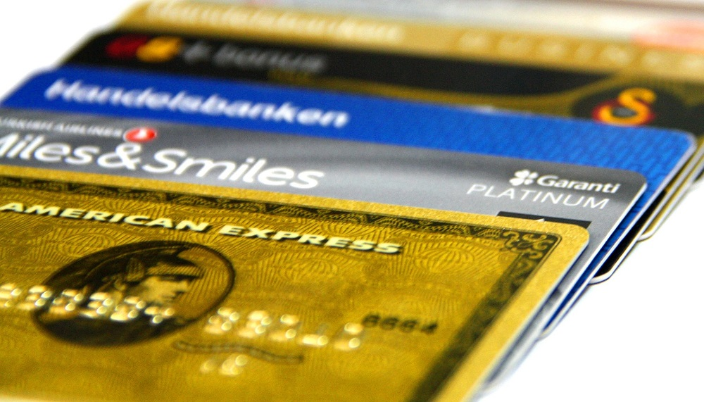 Can a credit card help you to save money and build wealth?
