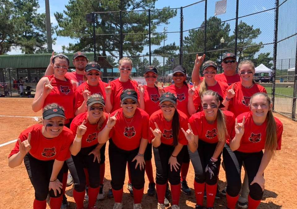 Club Softball Wins Two in First Day of NCSA World Series