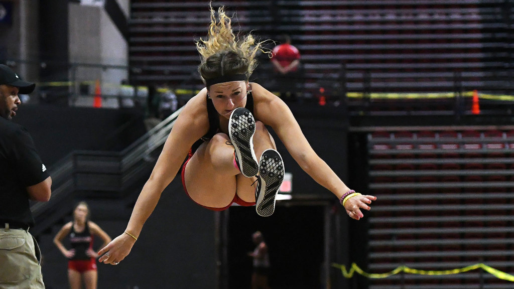 A-State Begins Indoor Season At Pitt State