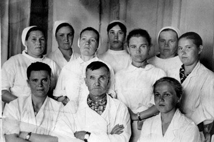 Коллектив больницы в 60-е годы