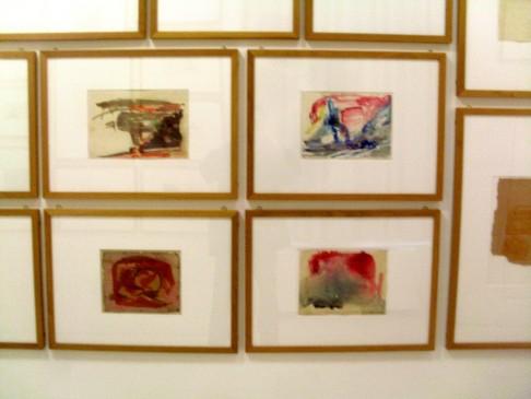 Manche der Bilder lassen unwillkürlich die Frage aufkommen: Sind die nun von Beuys? Oder hat Frau Heilen die Bilder meiner Grundschulzeit aufgehoben?