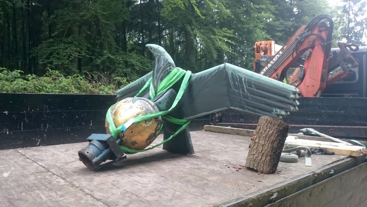 Adler auf Ladefläche, bereit zum Abtransport (Foto: Bau-Art)