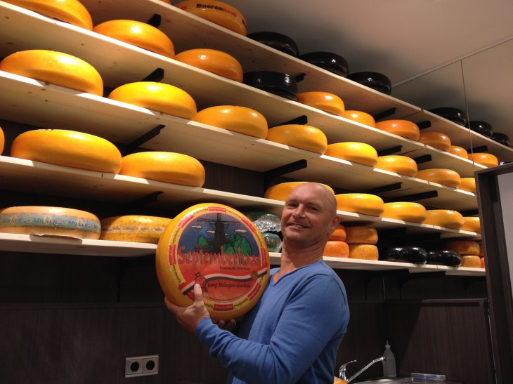 Alles Käse, aber guter: Henk Hop in seinem neuen Ladenlokal