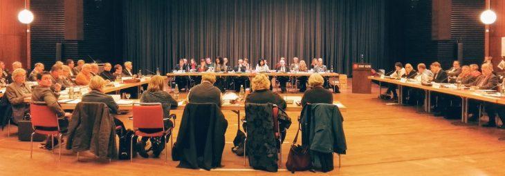Große Bühne Stadtrat: Wir sehen betroffen den Vorhang fallen und alle Fragen offen – oder?