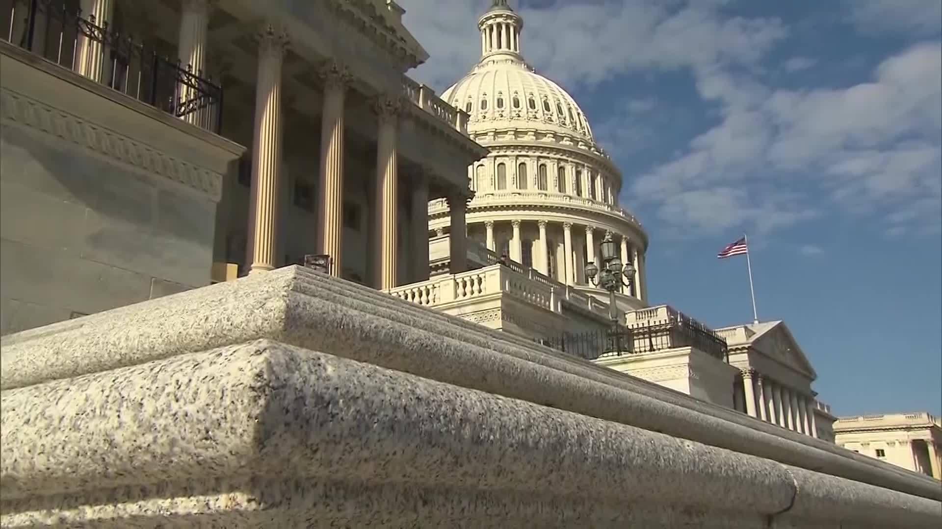 House_passes_two_bills_to_strengthen_gun_0_20190301153324-118809306