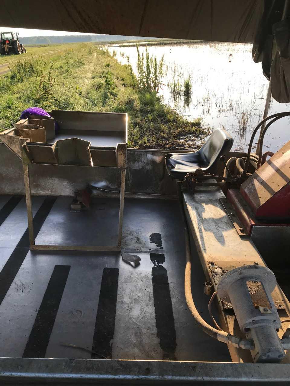 Boat motor 1_1554915635529.JPG.jpg