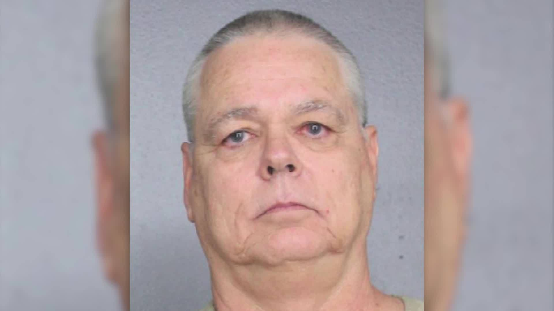 Florida_deputy_charged_for_inaction_duri_5_20190605105721-3156058