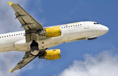 fotografias de Aviones: foto de avion comercial volando