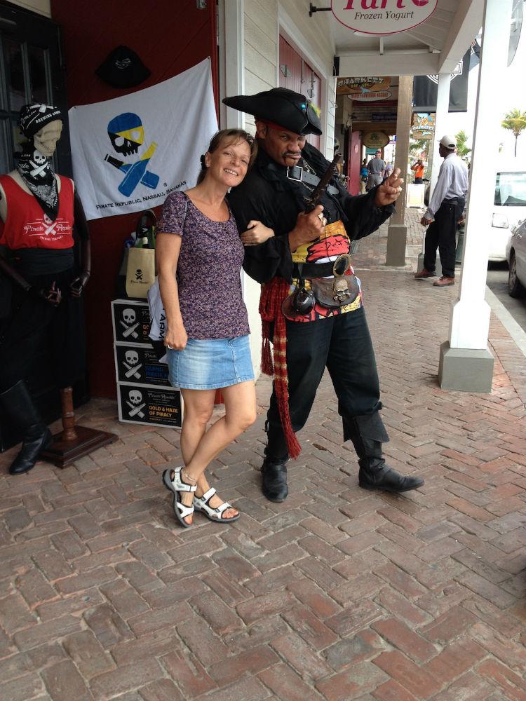 Ein Pirat! HILFE...