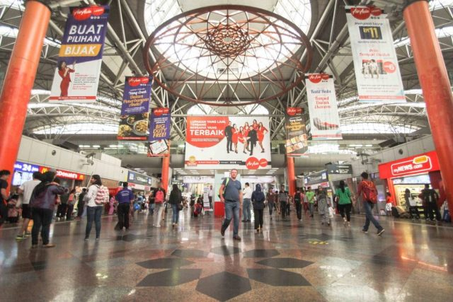 thousand-of-people-in-kl-sentral-daily