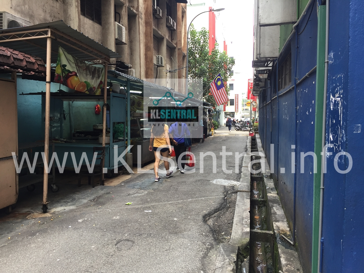 Alley-in-Brickfields-towards-PODs-Backpacker-Home-and-cafe