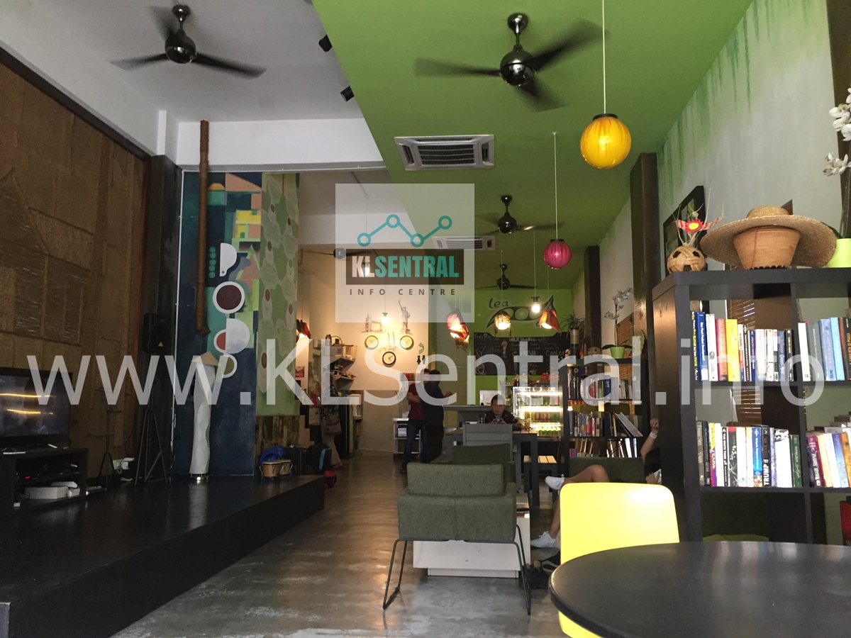 PODs-Backpacker-Home-and-cafe-environment-indoor