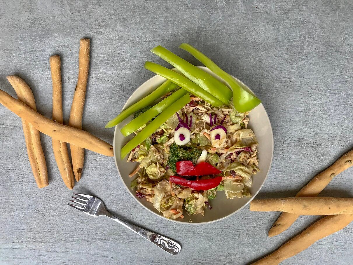 broccoli chicken almond salad-broccoli-chicken-almonds-grilled chicken-salad-salad meal-side dish-lunch-dinner-snack-healthy-ready to eat