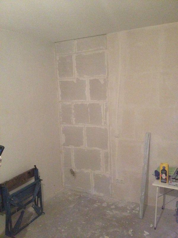Deur eruit en muur dichtmaken